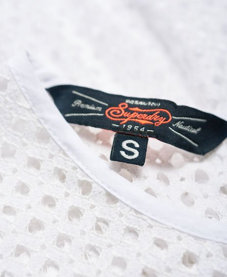 Superdry Robe patineuse en dentelle mélangée Geo