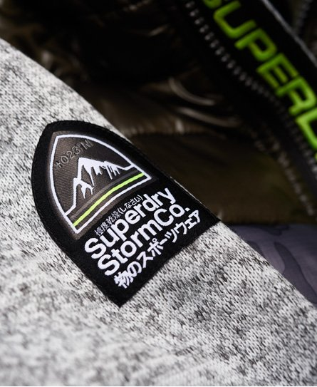 Superdry Storm Hybrid Kapuzenjacke mit Tarnmuster und Farbblock-Design