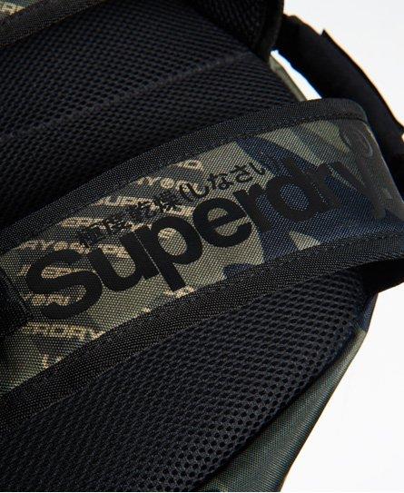 Superdry Mochila de camuflaje con logotipo Tarp