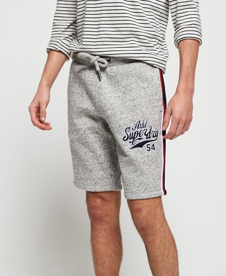 Superdry College Shorts mit Applikation