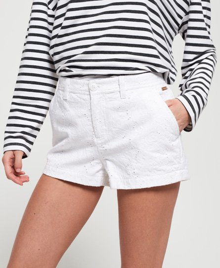 Superdry Chinoshorts mit Stickerei