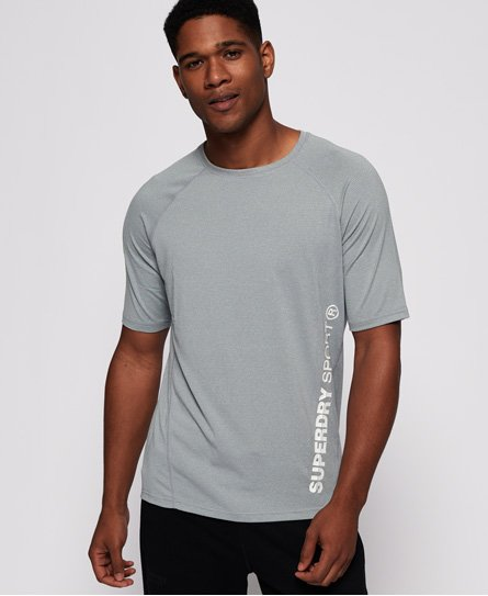 Superdry men\\\'s Sport Active Relaxed t-shirt. This t-shirt has been designed with moisture wicking technology and ventilation fabric to keep you cool and dry whilst you work out Finished with a dip hem, a Superdry Sport logo down one side and a small Superdry badge on the arm. A great addition to your gym kit.