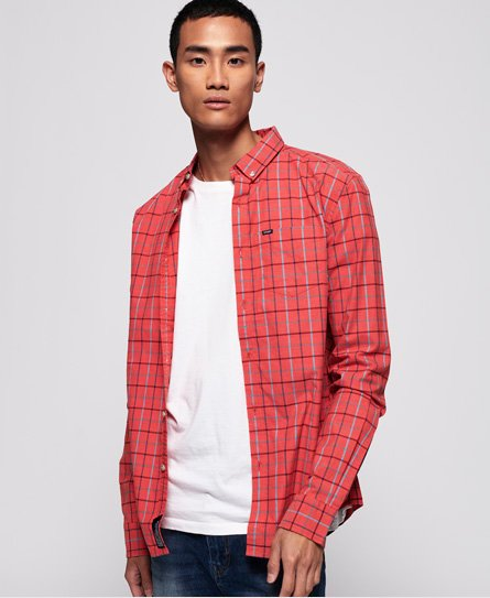 Superdry men\\\'s Ultimate University Oxford Long Sleeve Shirt. This classic long sleeve button-down shirt features soft touch cotton fabric and a single chest pocket. The shirt is finished with a Superdry logo tab on the pocket and seam, a Superdry logo patch on the placket and a logo badge on the sleeve.