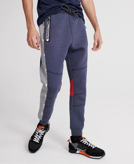 Superdry Gym Tech Jogginghose mit Streifenband