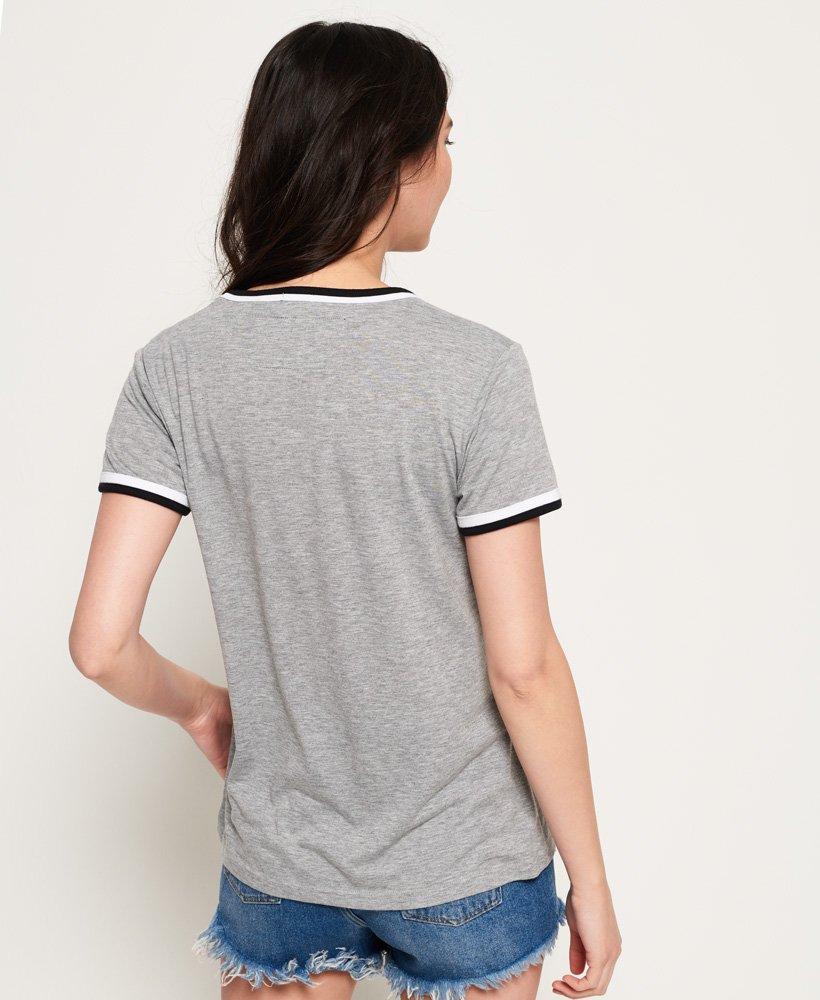 Superdry Retro T shirt med V hals Damer T shirts