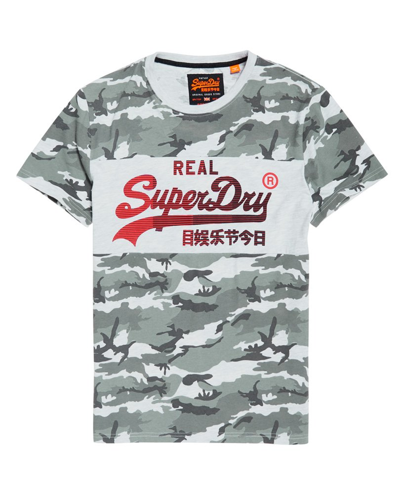 Superdry Vintage Logo 1st Panel T Shirt mit Tarnmuster