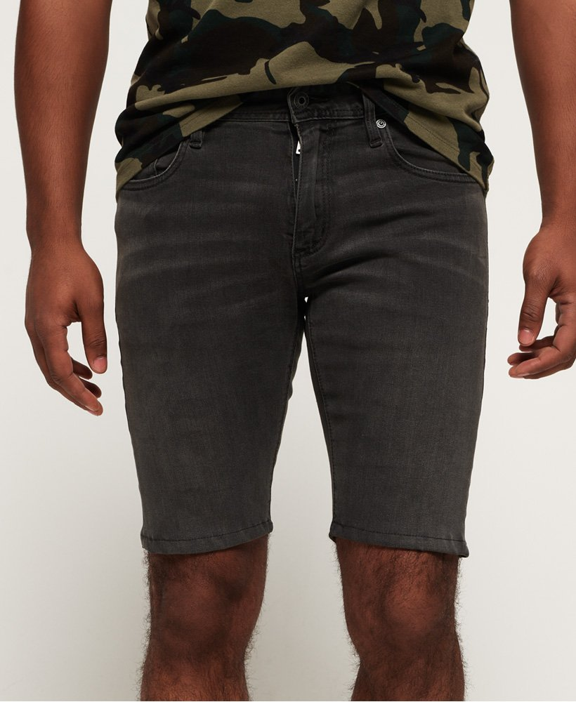 Superdry Schmal geschnittene Shorts