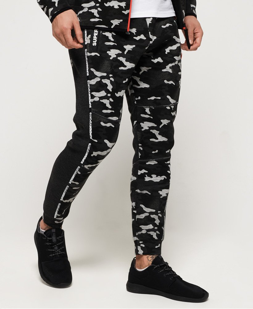 Superdry Gym Tech joggers med bånddesign thumbnail 1