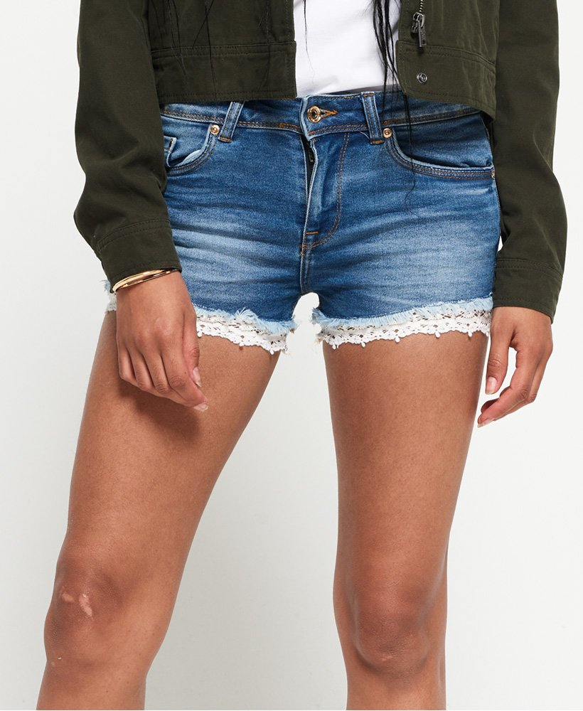 Superdry Mini short en denim et dentelle thumbnail 1