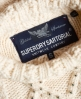 Superdry Verzierter Strickpulli mit Zopfmuster Creme