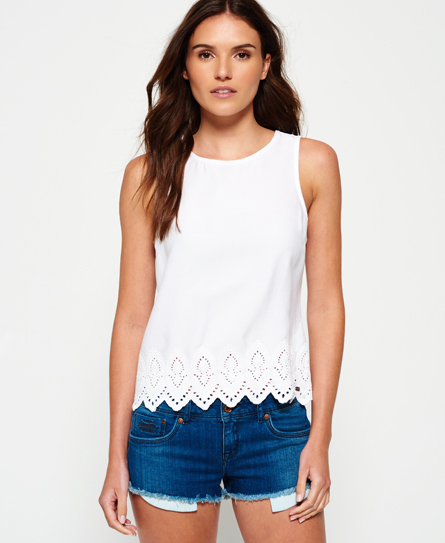 Se Superdry Superdry Broderie Anglaise top ved SuperDry