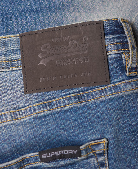 Superdry Spray on Röhrenjeans