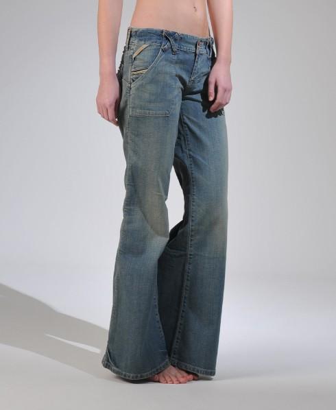 superdry jean coupe large wagner jeans pour femme. Black Bedroom Furniture Sets. Home Design Ideas
