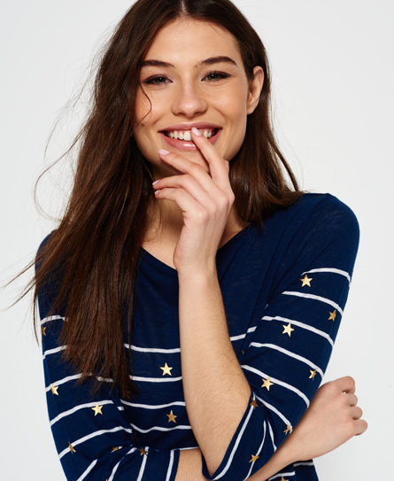 Se Superdry Superdry Conversational Breton top ved SuperDry