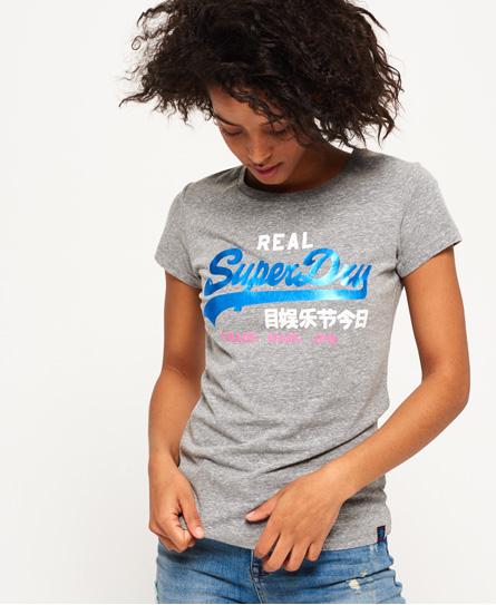 Se Superdry Superdry Vintage Logo Tri-Foil T-shirt ved SuperDry