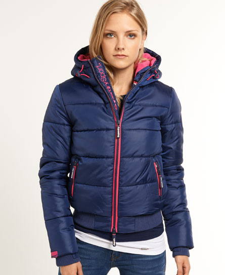 Womens Sports Puffer Jacket In Quill Ink Rocket Pink